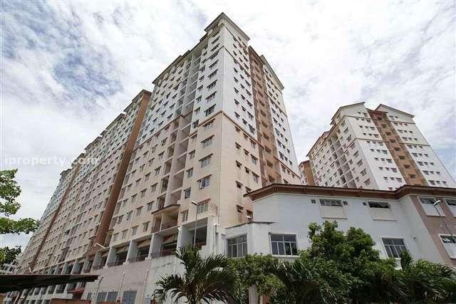 Bayu Puteri Apartment - Photo 1