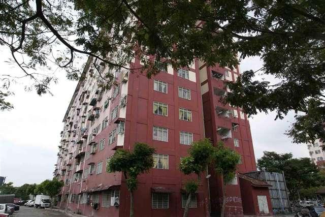 Desa Mentari Apartment - Photo 1