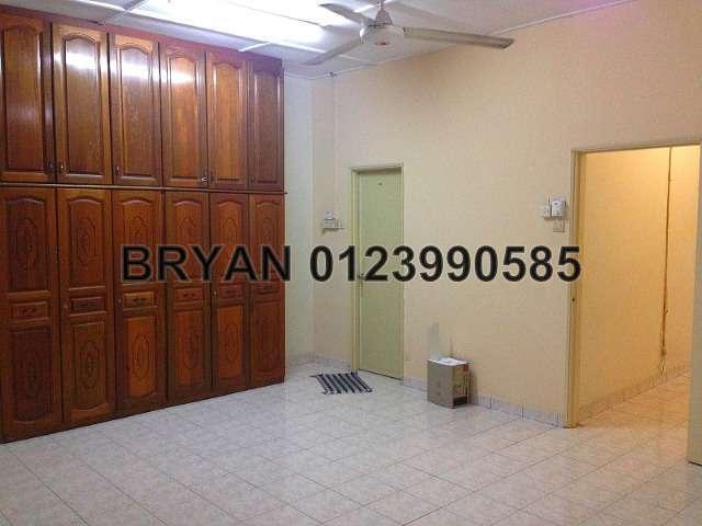 4 Bedrooms 2 Sty Terrace Link House For Rent In Kelana Jaya