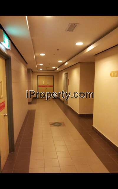 Warm Corridor to Office Unit