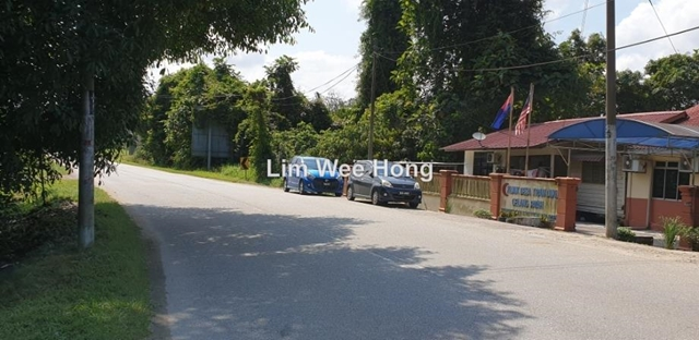 7xx, Kampung Tiram Duku, Gelang Patah