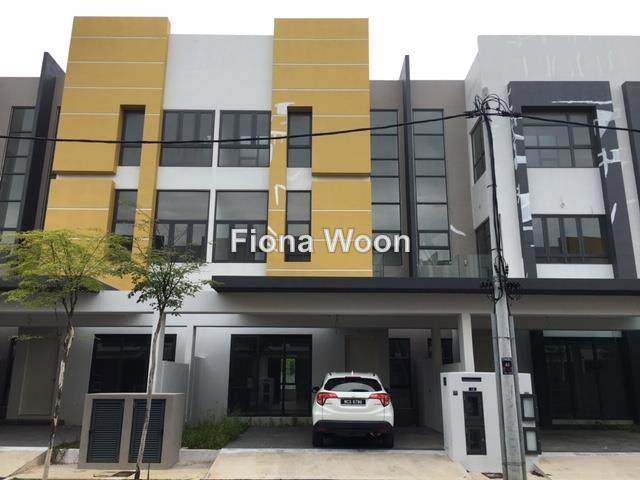 8 Residence ,Padang Temu Melaka, Ujong Pasir