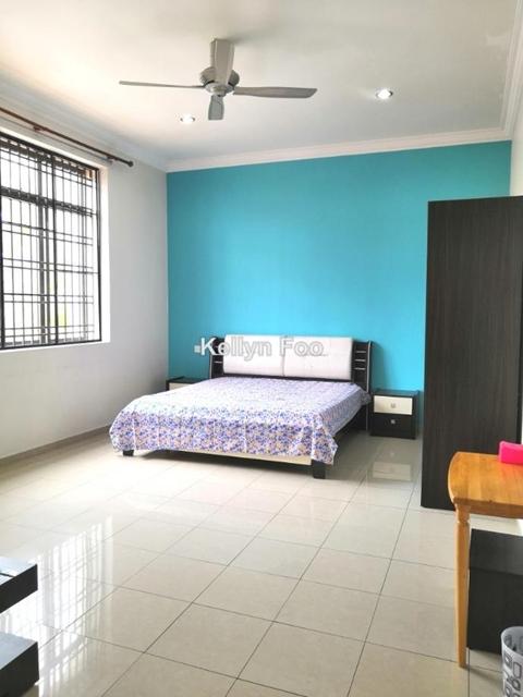 Pertam Jaya, Ujong Pasir