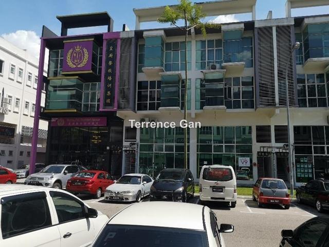 DANGA UTAMA SKUDAI 3.5 STOREY SHOP JLN PERTAMA 4 RENTAL INCOME RM7,000 BELOW MARKET VALUE, PUSAT PERDAGANGAN DANGA UTAMA, Johor Bahru