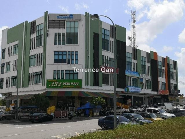 TAMPOI JALAN KEMPAS 3 STOREY SHOP MAIN ROAD BELOW BANK VALUE VERY LOW DOWNPAYMENT FREEHOLD, TAMPOI , Johor Bahru