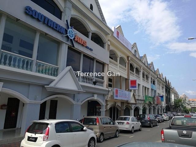 JB TOWN NEAR CUSTOM TAMAN SERENE JALAN DAMAI, Johor Bahru