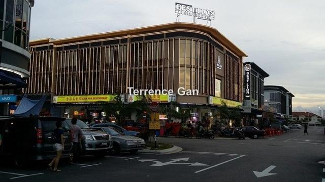 OASIS TROPICANA DANGA COVE CORNER SHOP, Johor Bahru