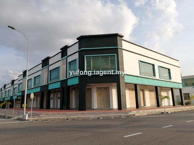Corner double storey shop at Tanjong Minyak Perdana, Jalan TMP 1A, Bukit Rambai