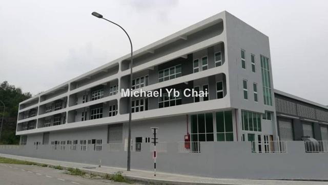 3-storey factory, Taman Bkt Serdang sek 9, Seri Kembangan