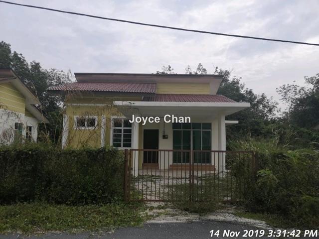 Kampung Banggol Saman, Selising