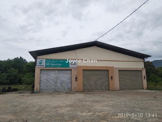 Kampung Chedok, Tanah Merah