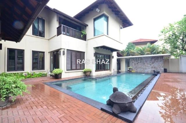 SUPERB Balinese Bungalow Kayangan Height, Shah Alam