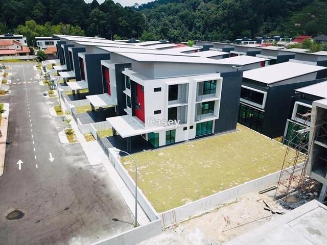 Perdana Height U10 , Shah Alam