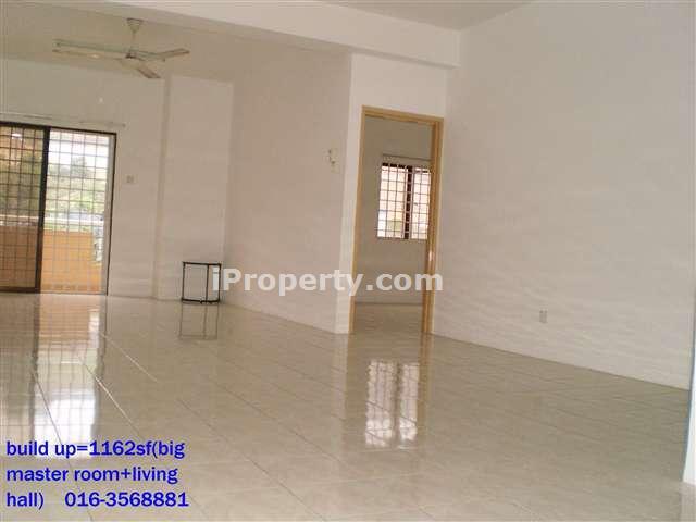1162sf living hall