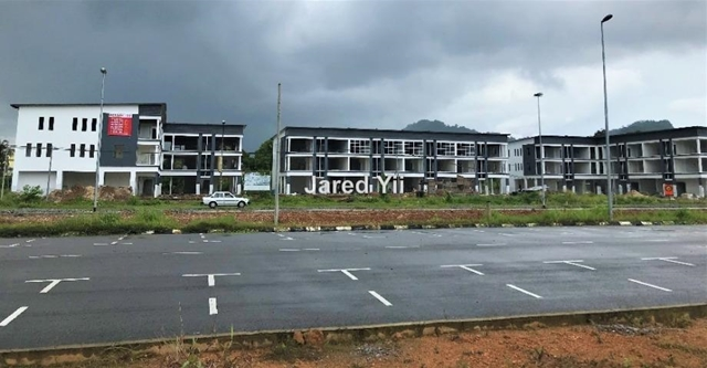 Pan Borneo Highway Serian New 3 Storey Shoplot, Serian, Kuching
