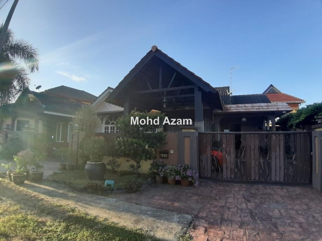 Banglo Setingkat Di Jalan Bayam Kota bharu, Kota Bharu