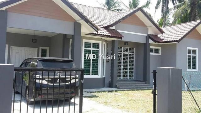 RUMAH BANGLO DI PADANG SALIM BANGGU KOTA BHARU, Kota Bharu