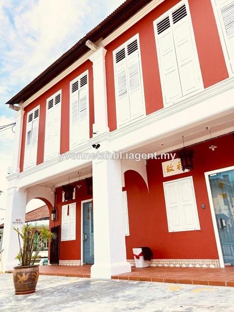 cafe & Homestay, Jalan Limbongan, Klebang