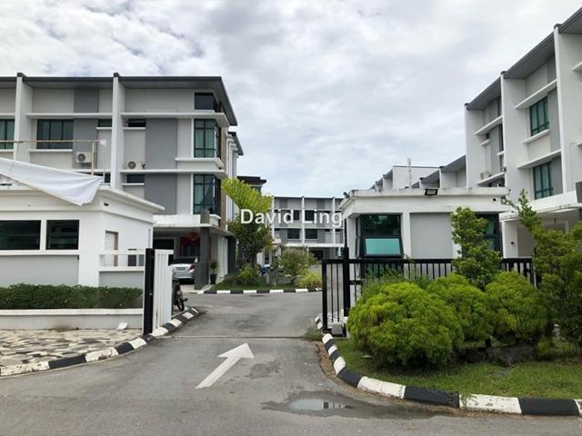 Aurora Heights Moyan, Kuching