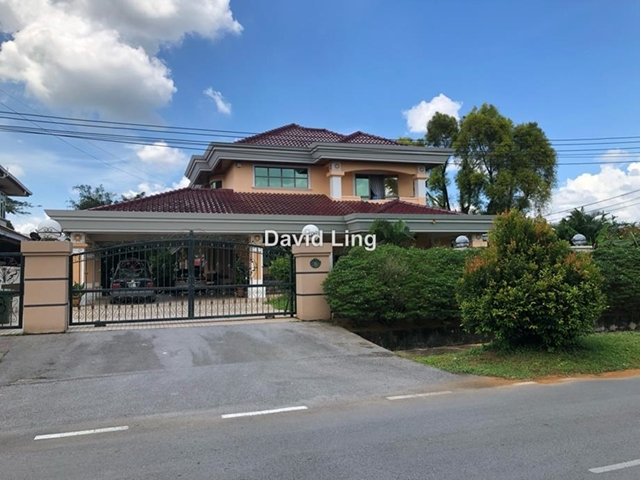 Top Green Literature Villa, Kuching