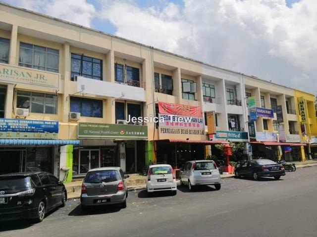 Taman permas jaya jalan permas 3 triplex storey, Permas Jaya