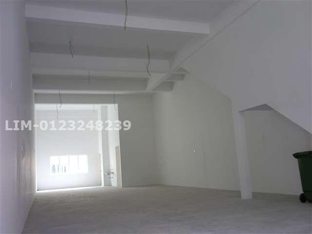 ground floor to back