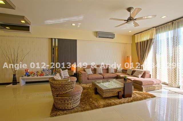 Show Hse -Living Hall