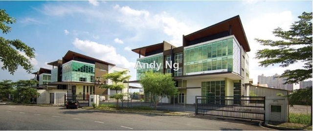 Subang jaya @USJ19 deteched factory for rent, USJ