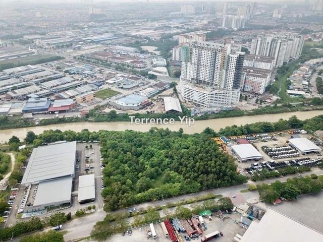 Taman Perindustrian Puchong IOI Mall, Puchong