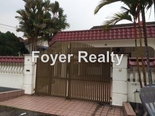 One and a half corner house for rent @ perling, Johor Bahru
